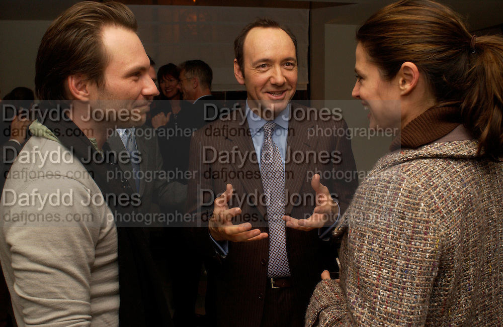 Christian Slater, Kevin Spacey and Ryan Haddon, After show opened at the the Old Vic party for Cloaca, One Aldwych, WC2. 28 September 2004. SUPPLIED FOR ONE-TIME USE ONLY-DO NOT ARCHIVE. © Copyright Photograph by Dafydd Jones 66 Stockwell Park Rd. London SW9 0DA Tel 020 7733 0108 www.dafjones.com