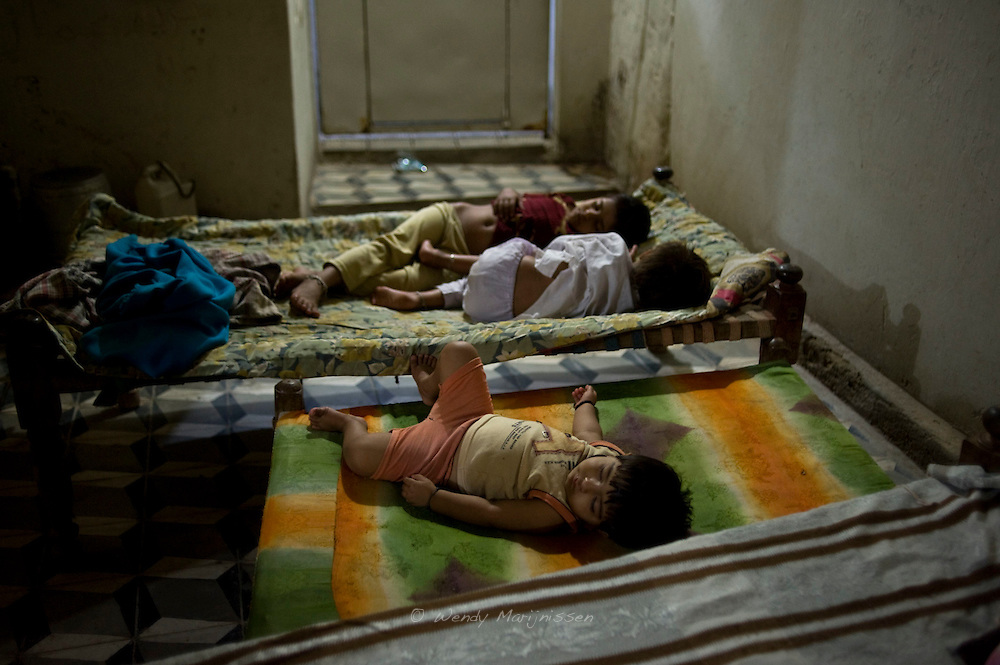 Children sleeping.<br /> Pakistan has a fertility rate of 4.1 children per woman. Women in urban areas have an average of 3.3 children compared to their rural counterparts, who have an average of 4.5 children.<br /> Providing family planning in Pakistan is challenging. <br /> The political problems that have intensified over the past two decades, coupled with cultural constraints limiting the empowerment of women, make the implementation of family planning programs in many parts of the country difficult. Most Pakistani women do not have ready access to the contraceptive services and reproductive health care they need.<br /> Mithi, Tharparker, Pakistan, 2010