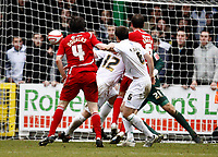 Photo: Richard Lane/Richard Lane Photography. Swindon Town v Norwich City. Coca-Cola Football League One. 20/03/2010. Swindon's Gordon Greer (6) heads in a late goal.