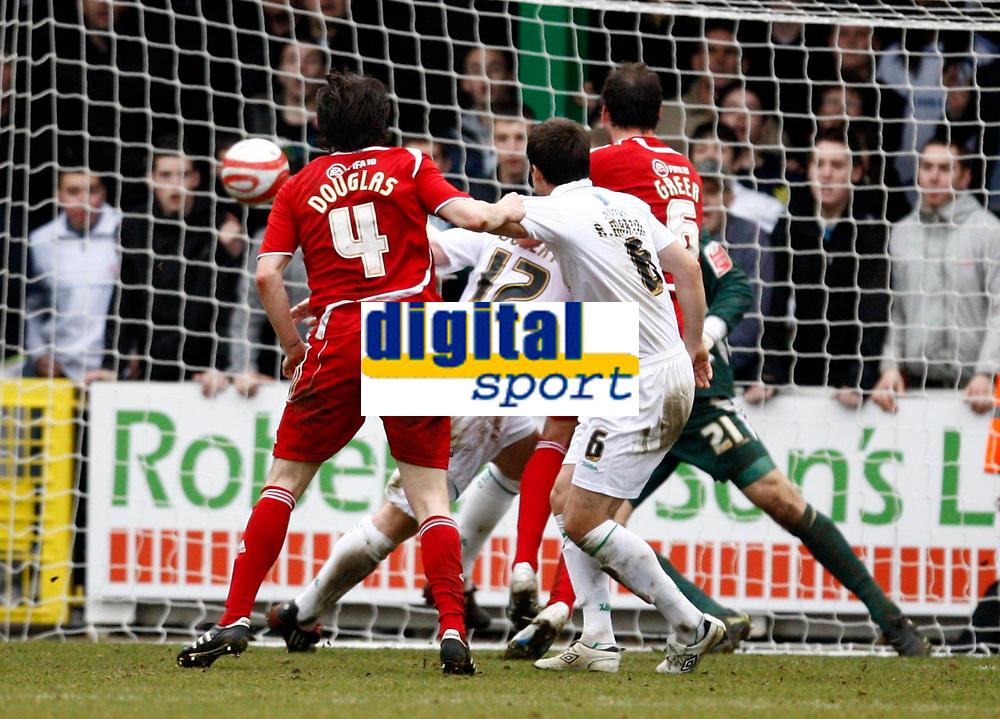 Photo: Richard Lane/Richard Lane Photography. Swindon Town v Norwich City. Coca-Cola Football League One. 20/03/2010. Swindon's Gordon Greer (6) heads in a late goal.