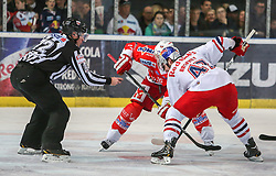 04.04.2014, Eisarena, Salzburg, AUT, EBEL, EC Red Bull Salzburg vs HCB Suedtirol, Finale, best of five, 1. Spiel, im Bild MacGregor Sharp, (HCB Suedtirol, #16) und Evan Brophey, (EC Red Bull Salzburg, #47) // during the 1st match of the final best of five round of the the Erste Bank Icehockey League Playoff between EC Red Bull Salzburg and HCB Suedtirol at the Eisarena in Salzburg, Austria on 2014/04/04. EXPA Pictures © 2014, PhotoCredit: EXPA/ Roland Hackl