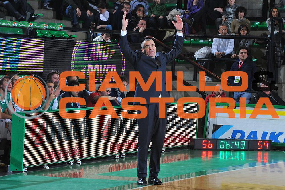 DESCRIZIONE : Treviso Eurocup 2009-10 Regular Season Benetton Gioco Digitale Bilbao Basket<br /> GIOCATORE : Jasmin Repesa Coach<br /> SQUADRA : Benetton Gioco Digitale<br /> EVENTO : Eurocup 2009 - 2010<br /> GARA : Benetton Gioco Digitale Bilbao Basket<br /> DATA : 26/01/2010<br /> CATEGORIA : Delusione<br /> SPORT : Pallacanestro<br /> AUTORE : Agenzia Ciamillo-Castoria/M.Gregolin<br /> Galleria : Eurocup 2009<br /> Fotonotizia : Berlino Eurocup 2009-10 Regular Season Benetton Gioco Digitale Bilbao Basket<br /> Predefinita :