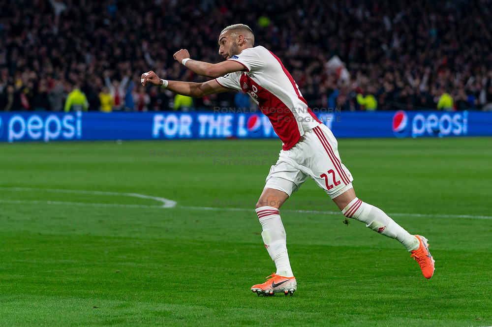 08-05-2019 NED: Semi Final Champions League AFC Ajax - Tottenham Hotspur, Amsterdam<br /> After a dramatic ending, Ajax has not been able to reach the final of the Champions League. In the final second Tottenham Hotspur scored 3-2 / Hakim Ziyech #22 of Ajax scores 2-0
