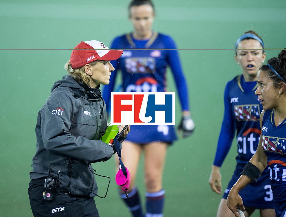 AUCKLAND - Sentinel Hockey World League final women<br /> Match id 10296<br /> 06 Usa v Netherlands<br /> Foto: Janneke SCHOPMAN Head Coach<br /> WORLDSPORTPICS COPYRIGHT FRANK UIJLENBROEK