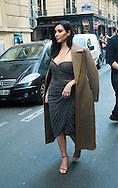 """Kim Kardashian sort manger au restaurant """"Le Ferdi"""" à Paris après la présentation de sa nouvelle gamme de produit au """"Marionnaud"""" Champs Elysée à Paris<br /> France, Paris, 15 avril 2015."""
