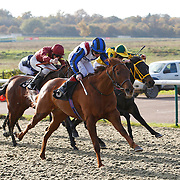 Flashy Queen and George Chaloner winning the 12.20