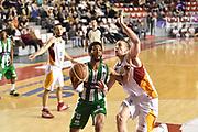 DESCRIZIONE : Roma Lega A 2014-15 <br /> Acea Virtus Roma - Sidigas Avellino <br /> GIOCATORE : Adrian Banks<br /> CATEGORIA : palleggio penetrazione<br /> SQUADRA : Sidigas Avellino <br /> EVENTO : Campionato Lega A 2014-2015 <br /> GARA : Acea Virtus Roma - Sidigas Avellino <br /> DATA : 04/04/2015<br /> SPORT : Pallacanestro <br /> AUTORE : Agenzia Ciamillo-Castoria/GiulioCiamillo<br /> Galleria : Lega Basket A 2014-2015  <br /> Fotonotizia : Roma Lega A 2014-15 Acea Virtus Roma - Sidigas Avellino