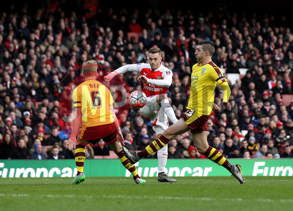 Calum Chambers of Arsenal scores a goal with the outside of his foot to open the scoring against Burnley in The FA Cup tie - Mandatory byline: Robbie Stephenson/JMP - 30/01/2016 - FOOTBALL - Emirates Stadium - London, England - Arsenal v Burnley - FA Cup Forth Round
