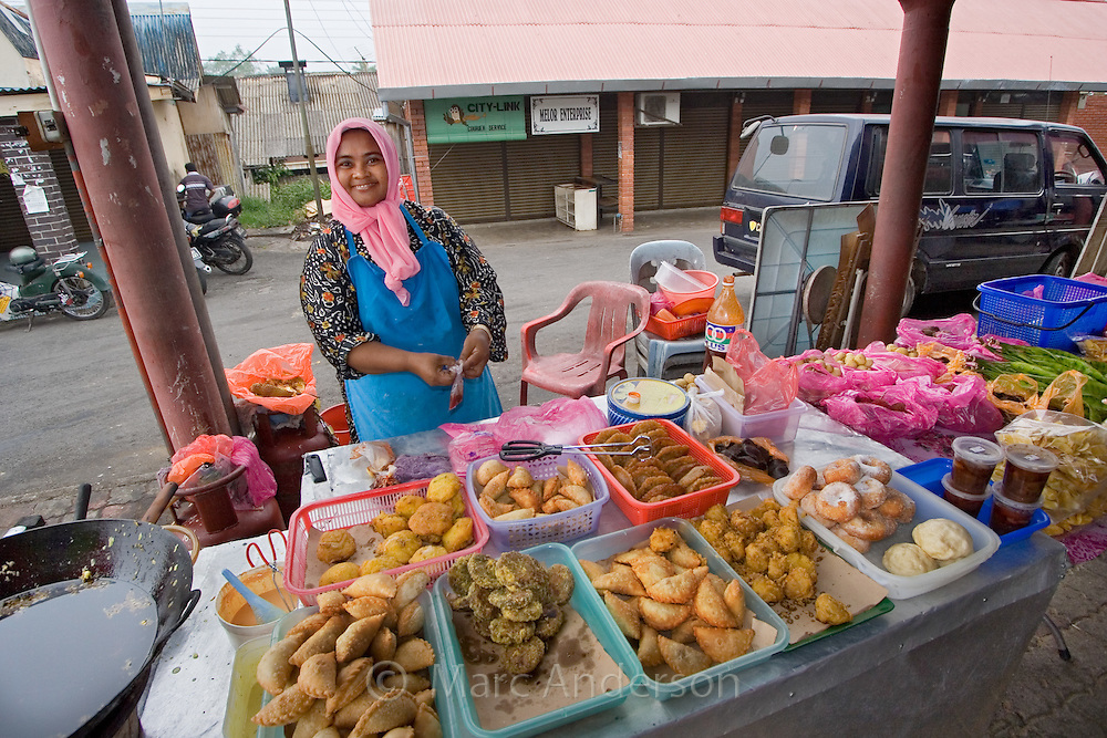 the wine market in malaysia Kuala lumpur food, wine & nightlife: get to know malaysia in one of the most satisfying ways check out the food night market.