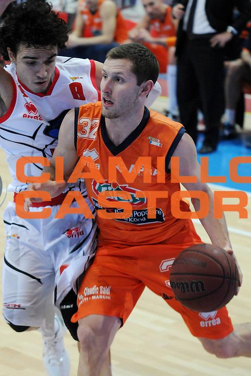 DESCRIZIONE : Piacenza Campionato Lega Basket A2 2011-12 Morpho Basket Piacenza Fileni BPA Jesi<br /> GIOCATORE : Richard McConnell<br /> SQUADRA : Fileni BPA Jesi<br /> EVENTO : Campionato Lega Basket A2 2011-2012<br /> GARA : Morpho Basket Piacenza Fileni BPA Jesi<br /> DATA : 15/01/2012<br /> CATEGORIA : Penetrazione<br /> SPORT : Pallacanestro <br /> AUTORE : Agenzia Ciamillo-Castoria/L.Lussoso<br /> Galleria : Lega Basket A2 2011-2012 <br /> Fotonotizia : Piacenza Campionato Lega Basket A2 2011-12 Morpho Basket Piacenza Fileni BPA Jesi<br /> Predefinita :