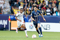 29.09.2012, Stade de Parc des Princes, Paris, FRA, Ligue 1, Paris St. Germain vs FC Sochaux, 7. Runde, im Bild JAVIER PASTORE (PARIS SAINT-GERMAIN), CEDRIC BAKAMBU (SOCHAUX) // during the French Ligue 1 7th round match between Paris St. Germain and FC Sochaux at the Stade de Parc des Princes, Paris, France on 2012/09/29. EXPA Pictures © 2012, PhotoCredit: EXPA/ PicAgency Skycam/ Chris Elise..***** ATTENTION - OUT OF SWE *****
