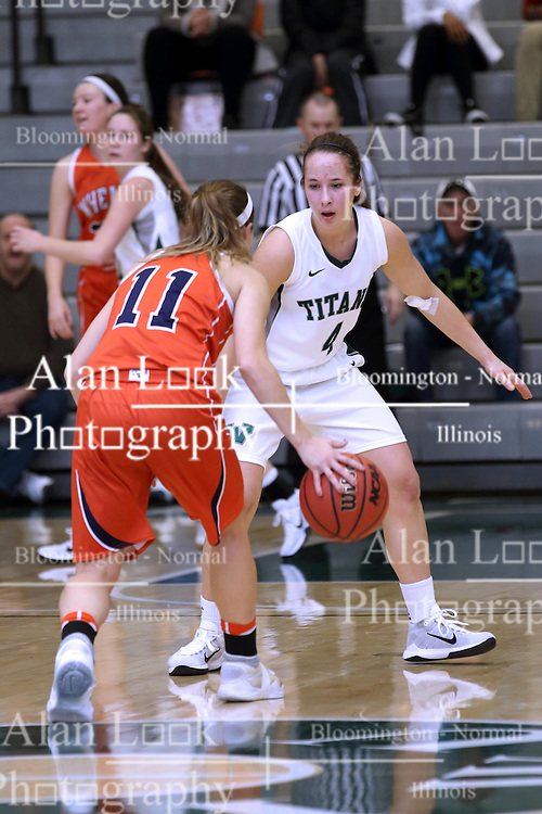 07 January 2017:  Chantal Meacham and Rebekah Ehresman during an Wheaton Thunder and the Illinois Wesleyan Titans in Shirk Center, Bloomington IL