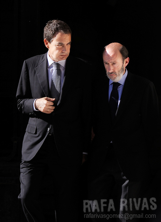Spanish Prime Minister Jose Luis Rodriguez Zapatero (L) and Spanish Interior Minister Alfredo Perez Rubalcaba (R) leave the Spanish Government Delegation in the northern Basque city of Vitoria, after visiting the Chapel of Rest of a Civil Guard member killed by Basque separatist terrorist group ETA, on May 14, 2008, after a booby-trap destroyed the Civil Guard barracks in the Basque village of Legutiano. Photo Rafa RIVAS