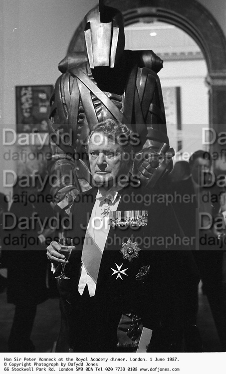 Hon Sir Peter Vanneck at the Royal Academy dinner. London. 1 June 1987. © Copyright Photograph by Dafydd Jones 66 Stockwell Park Rd. London SW9 0DA Tel 020 7733 0108 www.dafjones.com