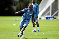 Photo: Daniel Hambury.<br /> West Ham United Media Day. 10/08/2006.<br /> Nigel Reo-Coker passes the ball during training.