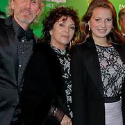 NLD/Scheveningen/20111106 - Premiere musical Wicked, Henriette Tol, partner Rob Snoek en dochter