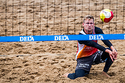 25-08-2018 NED: DELA Beach NK Volleyball, Scheveningen<br /> Erik van der Schaaf #2