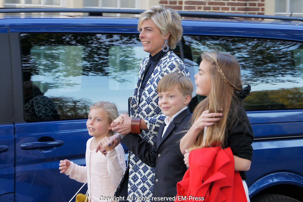Doop Willem Jan ( 01-07-2013), zoon van Prins Floris en Prinses Aimee oppaleis het Loo<br /> <br /> Christening of Willem Jan ( 01-07-2013), son of Prince Floris and Princess Aimee on palace het Loo<br /> <br /> Op de foto / On the photo: Prinses Laurentien en Gravin Eloise en Graaf Claus-Casimir en Gravin Leonore / Princess Laurentien and Countess Eloise and Count Claus-Casimir and Countess Leonore