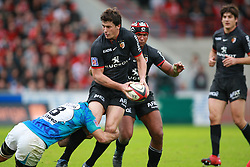 Yannick Jauzion attacks for Toulouse. Stade Toulousain v Toulon, 11eme Journee, Top 14, Stade Ernest Wallon, Toulouse, France, 30th October 2010.