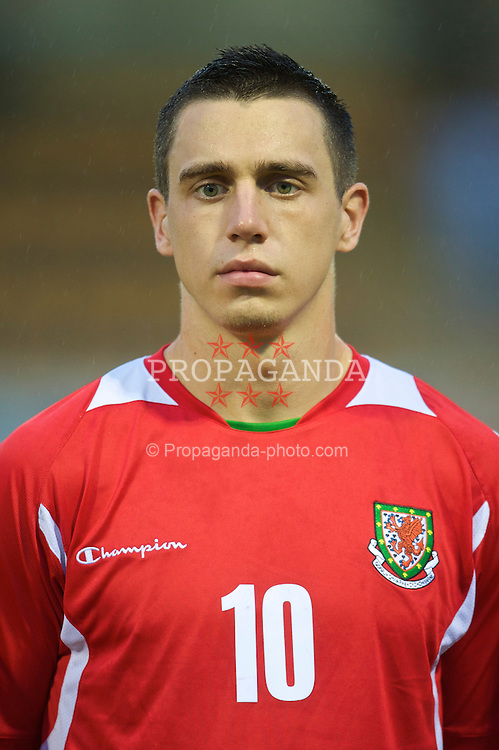 CAMARTHEN, WALES - Tuesday, September 8, 2009: Wales' Craig Moses lines-up before the Under-23 Semi-Professional friendly match against Poland at Richmond Park. (Pic by David Rawcliffe/Propaganda)