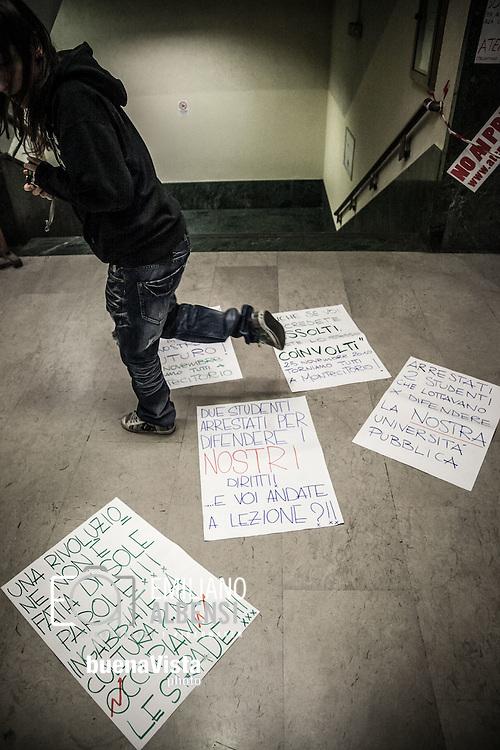 Roma, Lazio, Italia, 24/11/2010<br /> Una notte alla Sapienza. Nella foto le facolt&agrave; di Lettere e Scienze Politiche occupate dagli studenti in segno di protesta contro i tagli all'istruzione. <br /> <br /> Rome, Lazio, Italy, 24/11/2010<br /> A night in La Sapienza University. In the picture the Departments of Arts and Political Science occupied by students as protest against the cuts to instruction system.