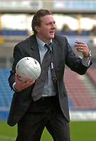 Photo: Glyn Thomas.<br />Huddersfield Town v Welling United. The FA Cup. 06/11/2005.<br />Huddersfield's manager Peter Jackson.