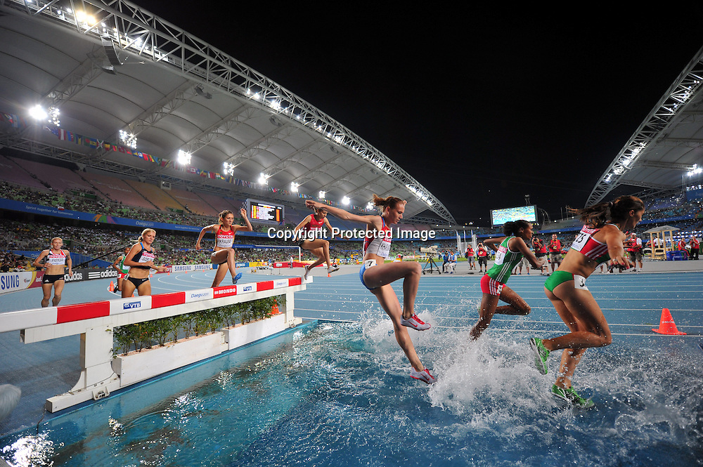 The ambiance shot, AUGUST 30, 2011 - Athletics :The 13th IAAF World Championships in Athletics - Daegu 2011, Women's 3000m Steeplechase Final at the Daegu Stadium, Daegu, South Korea. (Photo by Jun Tsukida/AFLO SPORT) [0003]
