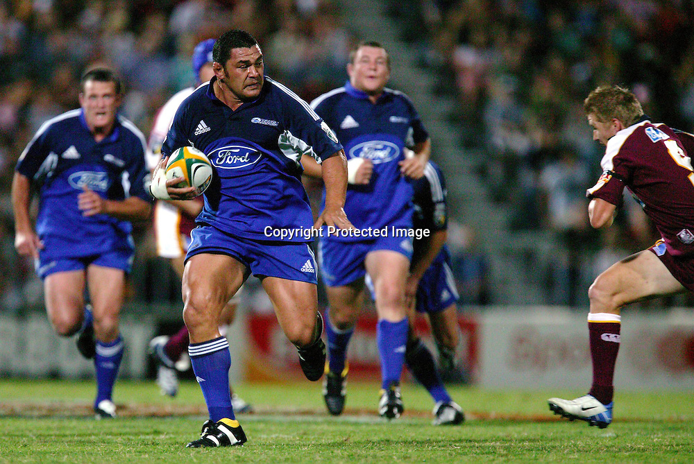 13 March, 2004. Ballymore, Brisbane, Australia. Rugby Union Super 12. Auckland Blues v Queensland Reds. <br />