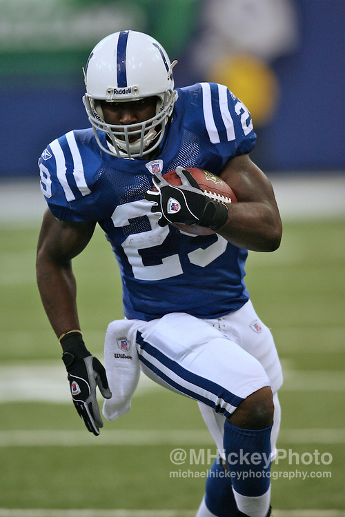 WireImage #10865929--Indianapolis running back Joseph Addai seen during action against Tennessee at the RCA Dome in Indianapolis, Indiana on October 8, 2006.