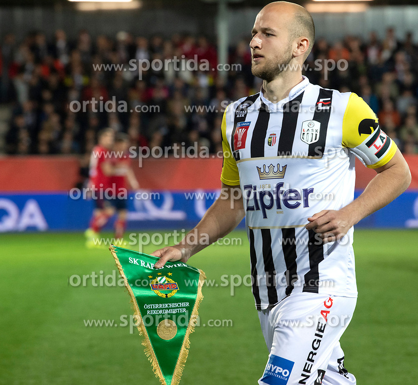 03.04.2019, TGW Arena, Pasching, AUT, OeFB Uniqa Cup, LASK vs SK Rapid Wien, Halbfinale, im Bild Gernot Trauner (LASK Linz) // during the halffinal match of the ÖFB Uniqa Cup between LASK and SK Rapid Wien at the TGW Arena in Pasching, Austria on 2019/04/03. EXPA Pictures © 2019, PhotoCredit: EXPA/ Reinhard Eisenbauer