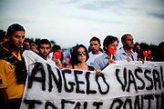 ACCIAROLI. CITTADINI DI ACCIAROLI ALLA FIACCOLATA IN ONORE DEL SINDACO ANGELO VASSALLO UCCISO IN UN AGGUATO DI CAMORRA;