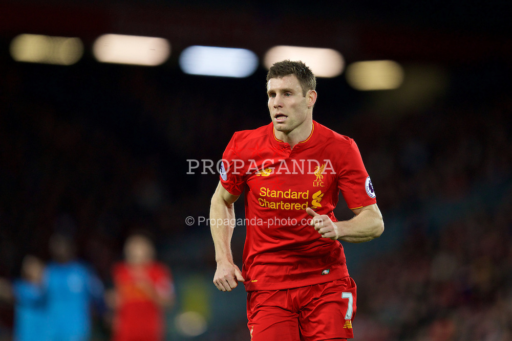 LIVERPOOL, ENGLAND - Saturday, December 31, 2016: Liverpool's James Milner in action against Manchester City during the FA Premier League match at Anfield. (Pic by David Rawcliffe/Propaganda)