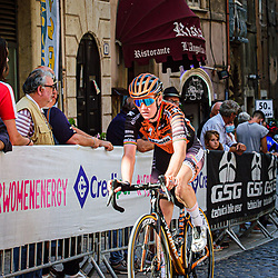 D'HOORE Jolien ( BEL ) – Boels - Dolmans Cycling Team ( DLT ) - NED – Querformat - quer - horizontal - Landscape - Event/Veranstaltung: Giro Rosa Iccrea - 4. Stage - Category/Kategorie: Cycling - Road Cycling - Cycling Tour - Elite Women - Location/Ort: Europe – Italy - Start: Assisi - Finish: Tivoli - Discipline: Cycling - Road Cycling - Cycling Tour - Road Race ( RR ) - Distance: 170,3 km - Date/Datum: 14.09.2020 – Monday - Photographer: © Arne Mill - frontalvision.com