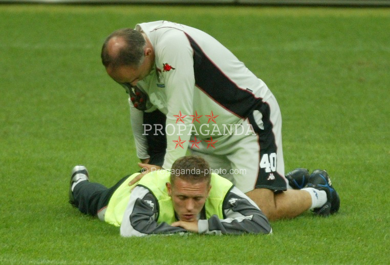 MILAN, ITALY - Thursday, September 4, 2003: Wales' Craig Bellamy is treated during training at the San Siro ahead of their Group 9 Euro 2004 qualifyer against Italy. (Pic by David Rawcliffe/Propaganda)