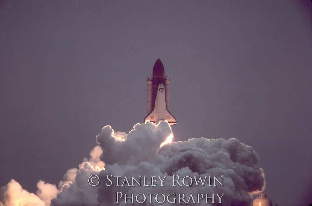 Space Shuttle Discovery Launch, Blast Off, Dawn