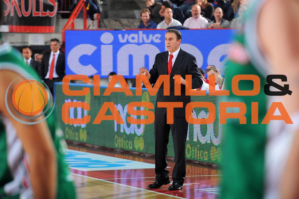 DESCRIZIONE : Varese Lega A 2010-11 Cimberio Varese Montepaschi Siena<br /> GIOCATORE : Coach Carlo Recalcati<br /> SQUADRA : Cimberio Varese<br /> EVENTO : Campionato Lega A 2010-2011<br /> GARA : Cimberio Varese Montepaschi Siena<br /> DATA : 30/10/2010<br /> CATEGORIA : Ritratto<br /> SPORT : Pallacanestro<br /> AUTORE : Agenzia Ciamillo-Castoria/A.Dealberto<br /> Galleria : Lega Basket A 2010-2011<br /> Fotonotizia : Varese Lega A 2010-11 Cimberio Varese Montepaschi Siena<br /> Predefinita :