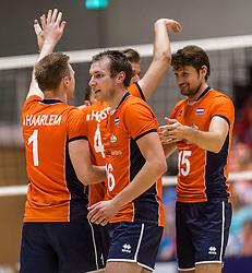04-06-2016 NED: Nederland - Duitsland, Doetinchem<br /> Nederland speelt de tweede oefenwedstrijd in Doetinchem / Thomas Koelewijn #15, Wouter Ter Maat #16