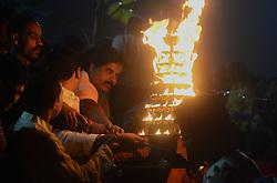 November 11, 2018 - Kolkata, India - Indian hindu devotees offer evening prayers on the occasion of first day of Chhath festival at Arpa river , in Bilaspur on November 11, 2018 . (Photo by Ritesh Shukla  (Credit Image: © Ritesh Shukla/NurPhoto via ZUMA Press)
