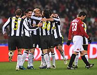 """mellberg festeggia con i compagni il gol<br /> Roma 21/3/2009 Stadio """"Olimpico"""" <br /> Campionato Italiano Serie A 2008/2009 <br /> Roma Juventus <br /> foto Massimo Oliva Insidefoto"""