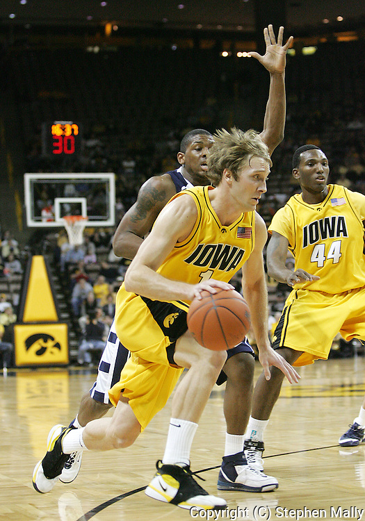24 JANUARY 2007: Iowa guard Adam Haluska (1) in Iowa's 79-63 win over Penn State at Carver-Hawkeye Arena in Iowa City, Iowa on January 24, 2007.