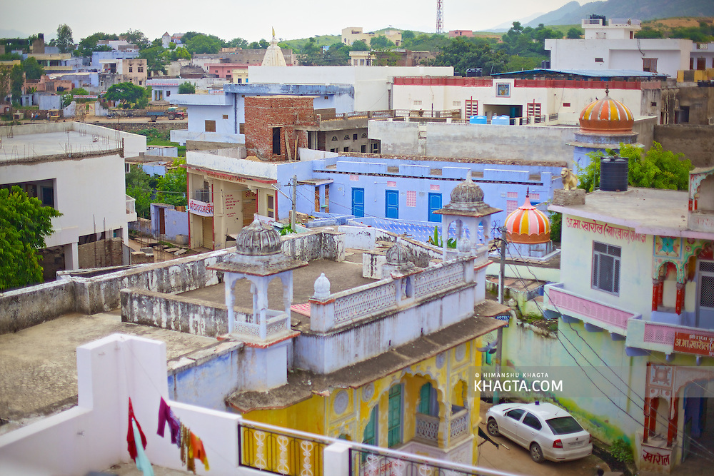 Holy town of Pushkar, 14 kms from Ajmer is famous for its annual camel fair held in the autumn. With a scared lake, old temples and roof top restaurants, its a major tourist attraction attracting mostly foreign tourists. Pushkar also offers a great variety of delicious food. The town that got famous by its colorful camel fair is a very old religious place for Hindu pilgrims.