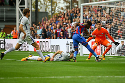 Wilfried Zaha of Crystal Palace shot is saved by Thibaut Courtois of Chelsea - Mandatory by-line: Jason Brown/JMP - 14/10/2017 - FOOTBALL - Selhurst Park - London, England - Crystal Palace v Chelsea - Premier League