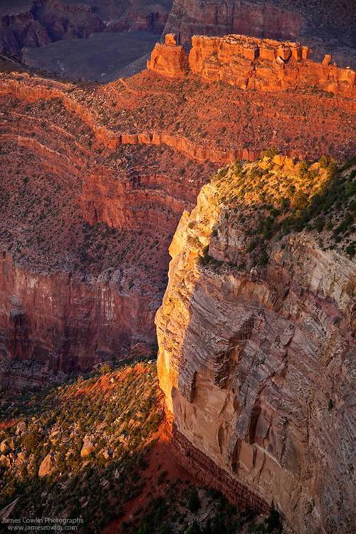 Sunset at Hopi Point on the south rim of Grand Canyon National Park in Arizona