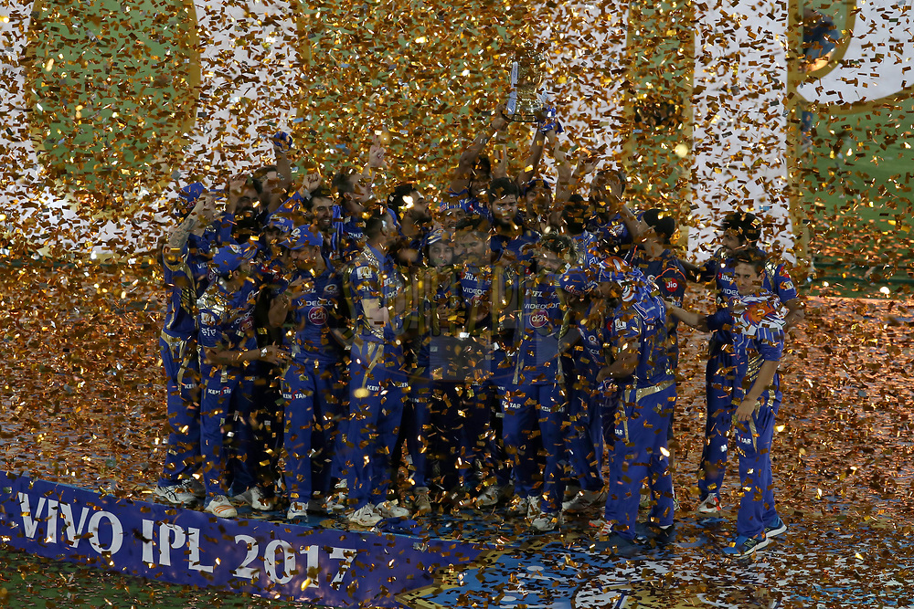 Mumbai Indians players celebrates their victory with VIVO IPL 2017 Trophy during the final of the Vivo 2017 Indian Premier League between the Rising Pune Supergiant and the Mumbai Indians held at the Rajiv Gandhi International Cricket Stadium in Hyderabad, India on the 21st May 2017<br /> <br /> Photo by Faheem Hussain - IPL - Sportzpics