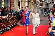 AMSTERDAM - In de LaMar theater is de premiere van Andre van Duin. Met op de foto Jetty Paerl en dochter Anne-Rose Bantzinger. FOTO LEVIN DEN BOER - PERSFOTO.NU