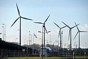 Nederland, Rotterdam, 28-1-2016 Windmolens in de Rijnmond, Rotterdamse haven. Hier aan ingang, monding van de nieuwe waterweg bij de Noordzee FOTO: FLIP FRANSSEN/ HOLLANDSE HOOGTE