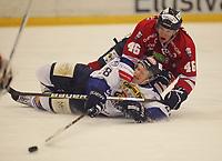 Ishockey , Get - ligaen <br /> 28.10.2010 <br /> Kristins Hall<br /> Lillehammer I.K  v  Sparta Sarpsborg  2-4<br /> <br /> Foto:Dagfinn Limoseth  -  Digitalsport<br /> Aleksander Rindal Nygaard , Lillehammer og Niklas Roest , Sparta