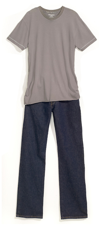 outfit of grey t-shirt and navy jeans