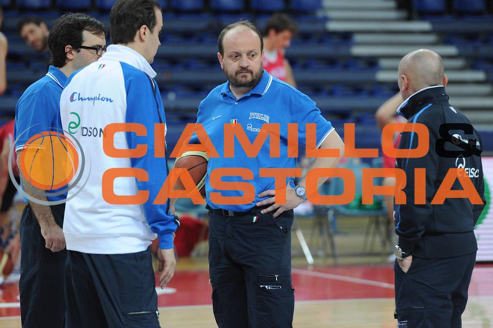 DESCRIZIONE : Pesaro allenamento All star game 2012 <br /> GIOCATORE : Andrea Capobianco <br /> CATEGORIA : ritratto curiosita<br /> SQUADRA : Italia<br /> EVENTO : All star game 2012<br /> GARA : allenamento Italia<br /> DATA : 09/03/2012<br /> SPORT : Pallacanestro <br /> AUTORE : Agenzia Ciamillo-Castoria/GiulioCiamillo<br /> Galleria : Campionato di basket 2011-2012<br /> Fotonotizia : Pesaro Campionato di Basket 2011-12 allenamento All star game 2012<br /> Predefinita :