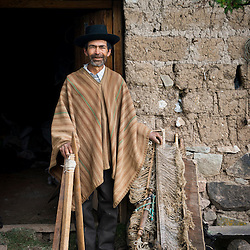 Valerio De La Cruz Arango, 75,  en Juscaymarca , Ayacucho.